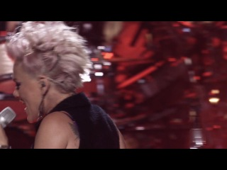 Pink - Blow Me (One Last Kiss) (Live From Los Angeles) HD